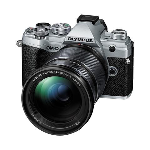 Цифровой беззеркальный фотоаппарат OLYMPUS OM-D E-M5 Mark III Kit 12-200mm
