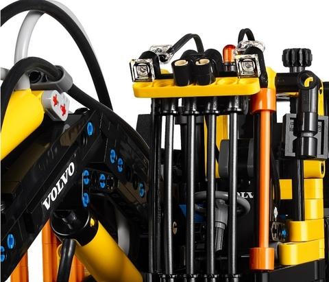 LEGO Technic: Экскаватор Volvo EW 160E 42053 — Volvo EW160E Building Set — Лего Техник