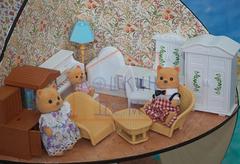 Игровой набор кукольной мебели для гостиной с семейкой зверей