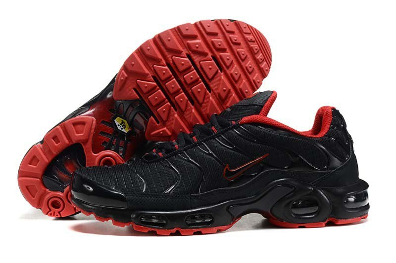 Nike-Air-Max-95-TN-Plus-Black-Red-Krossovki-Najk-Аir-Maks-97-TN-Plus -Chernye-Krasnye 78b8aeacd714d