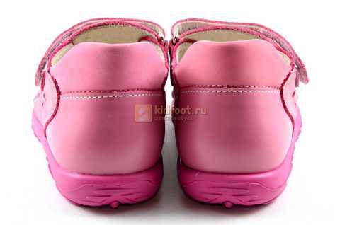 Босоножки Тотто из натуральной кожи с закрытым носом для девочек, цвет розовый. Изображение 7 из 12.
