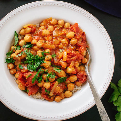 https://static-eu.insales.ru/images/products/1/5002/75346826/chana_masala.jpg
