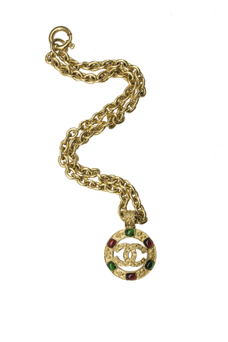 Кулон Chanel со стеклом Gripoix  |  CHANEL VINTAGE MULTICOLORED GRIPOIX CC LOGO PENDANT NECKLACE