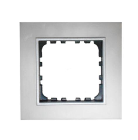 Рамка на 1 пост из натурального анодированного  алюминия. Цвет Алюминий. LK Studio LK60 / LK80 (ЛК Студио ЛК60 / ЛК80). 864123