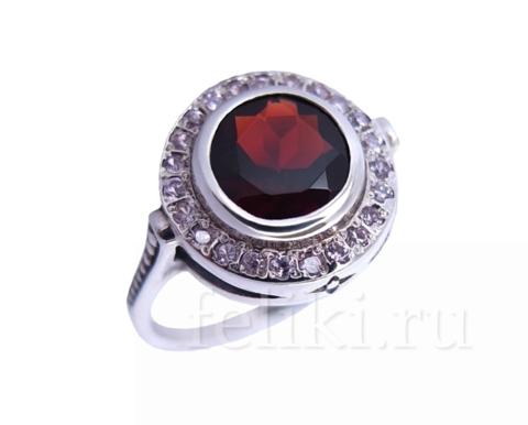 кольцо серебряное с гранатом