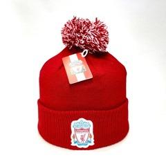 Вязаная шапка с помпоном и логотипом ФК Ливерпуль (Liverpool Англия) красная