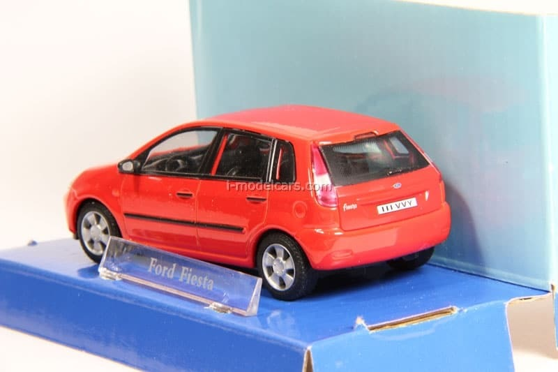 e0d0a687dd1 Ford Fiesta red Cararama 1:43