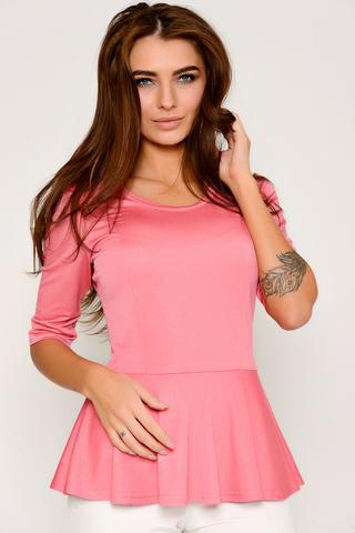Женственная, гламурная блузка из мягкого трикотажа. Очень комфортная и современная модель.