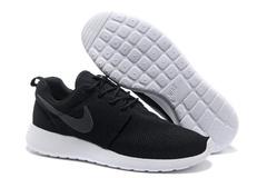 Nike Roshe Run Material Black White
