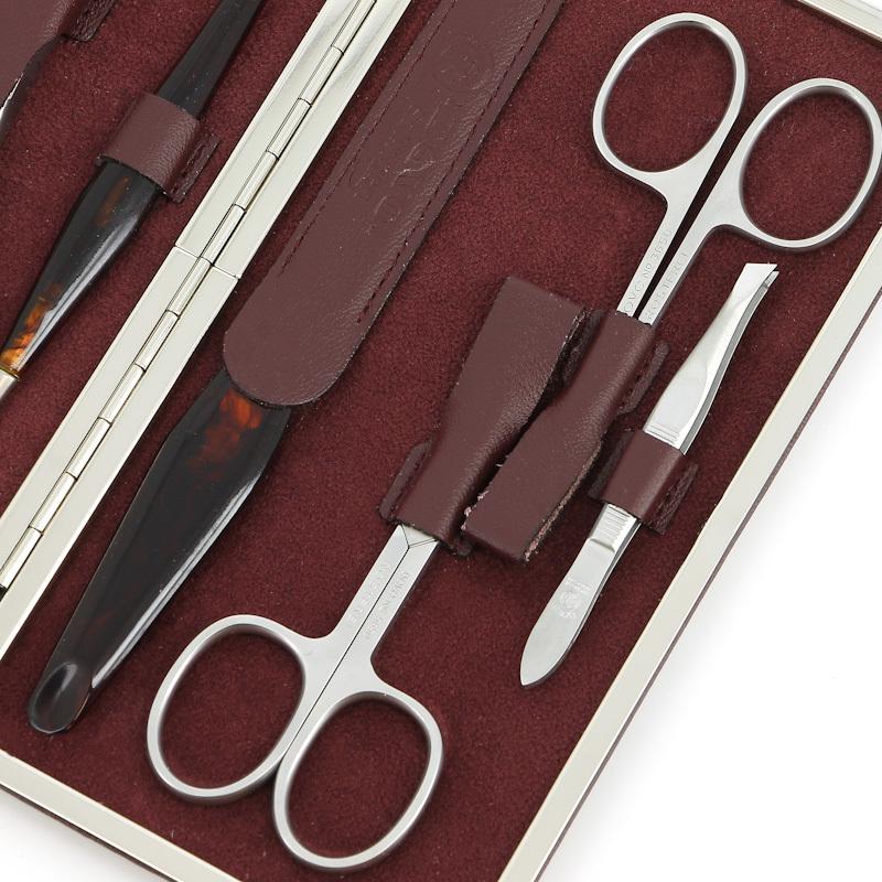 Маникюрный набор Dovo, 7 предметов, цвет красный, кожаный футляр