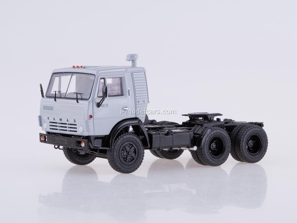 KAMAZ-54112 with semitrailer flour carrier ASP-25 1:43 Start