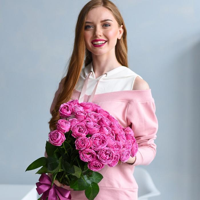 Букет кустовых пионовидных роз Мисти Баблс 15шт купить в Перми