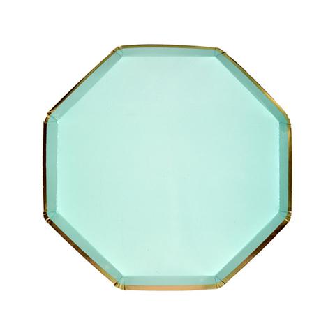 Маленькие мятные восьмиугольные тарелки
