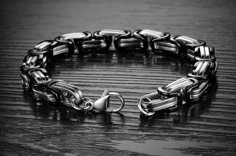 Солидный мужской браслет цепь на руку чёрно-стальная с плетением плоский лисий хвост из нержавеющей ювелирной медицинской хирургической стали 316L Steelman gb0615711