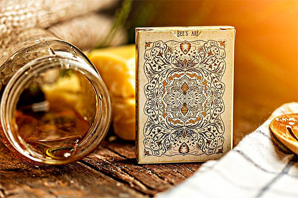 Ellusionist Bumble bee