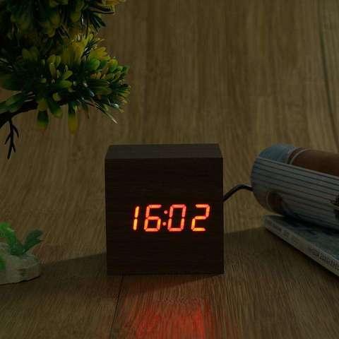 Электронные часы деревянный куб