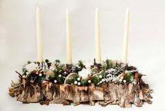 Композиция со свечами, хлопком и корицей.