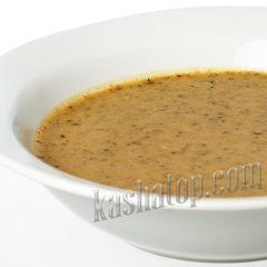 Суп-пюре с белыми грибами 'DeliLabs' в тарелке