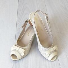 Туфли молочного цвета