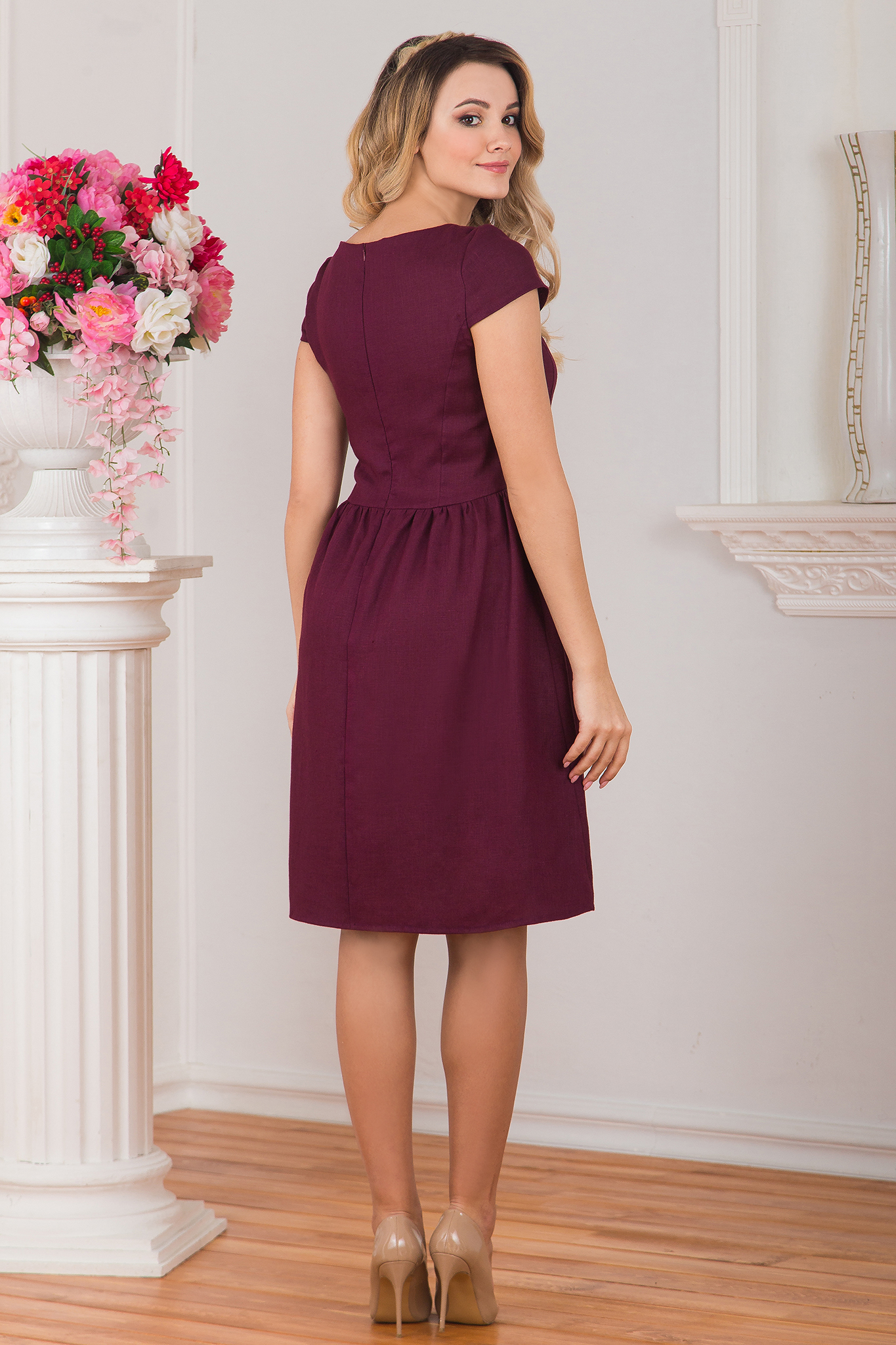 Платье льняное Черешня вид сзади