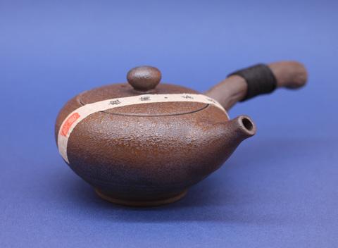 Чайник глиняный  Тао Ту с боковой ручкой, плоский, 200мл