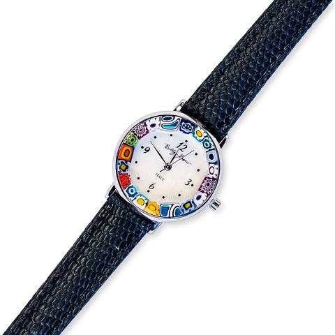 Часы на черном ремешке из муранского стекла