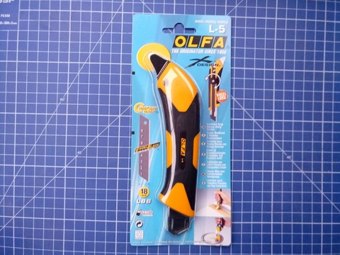 Нож OLFA, двухкомпонентный корпус, трещоточный фиксатор, 18мм