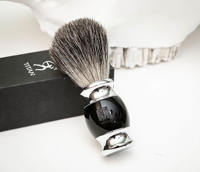 RAZ488-1 Помазок «TITAN» из барсучего волоса, рукоятка смола (черный)