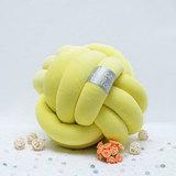 """Декоративная узловая подушка """"Fist"""", артикул 1600001180054, производитель - Nice Pillow"""