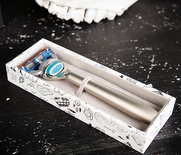 RAZ475 Станок для бритья с кассетой GILLETTE Fusion в подарочной коробке фото 04