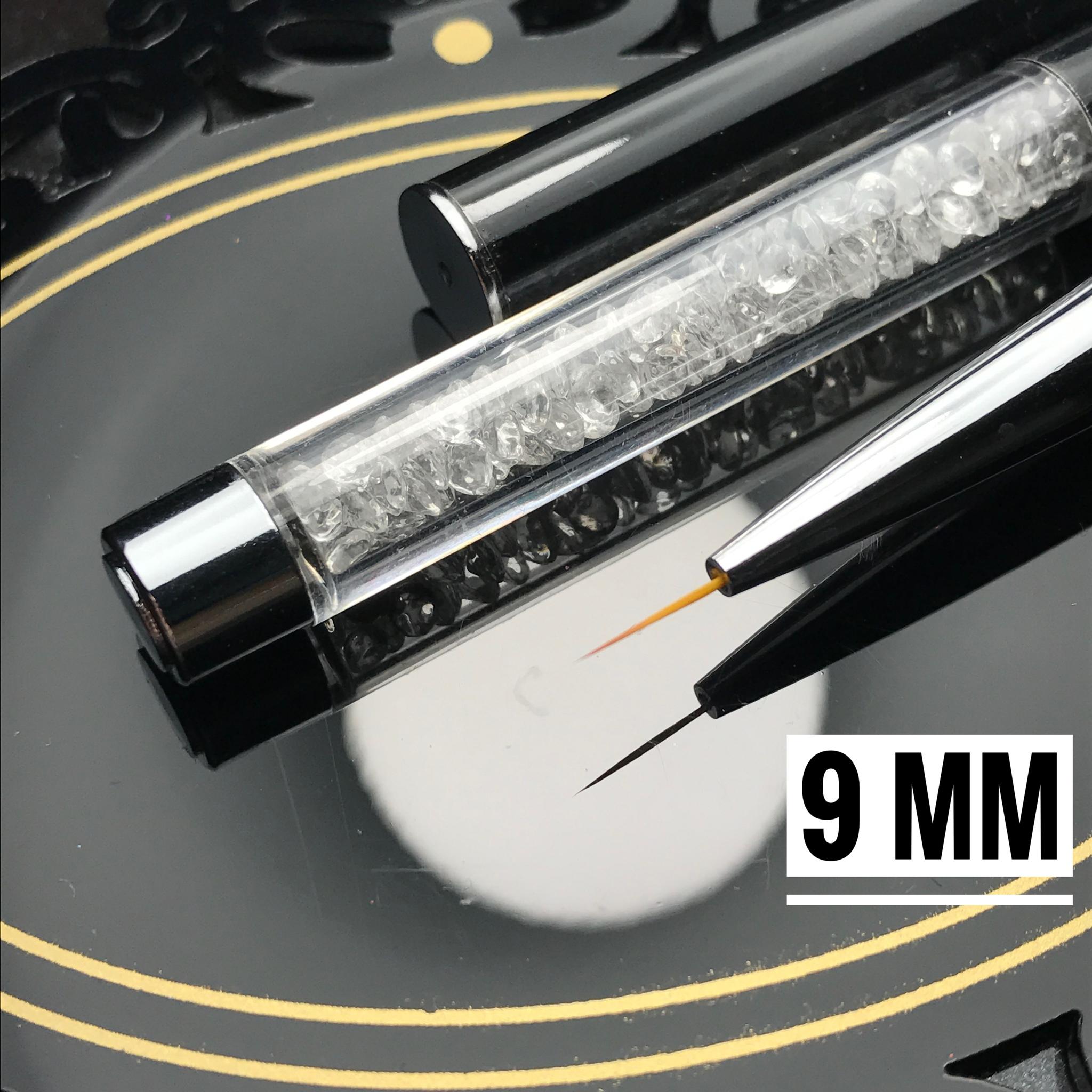 Кисть для прорисовок тонких линий и вензелей 9 mm