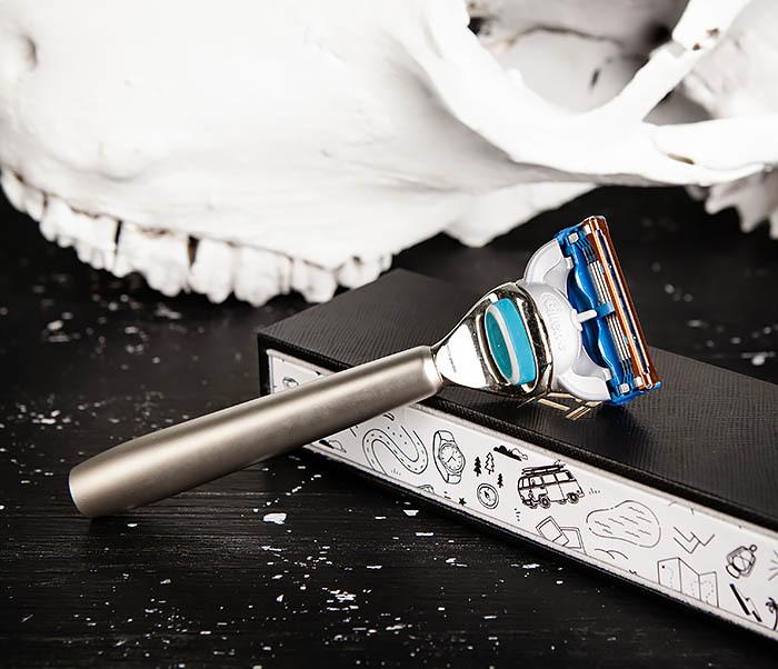 RAZ475 Станок для бритья с кассетой GILLETTE Fusion в подарочной коробке фото 05