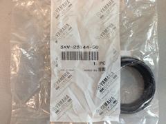 Пыльник передней вилки  Yamaha 3XV-23144-50   (41х53,5х11,5 )