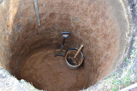 Копка шахты колодца