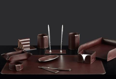 На фото набор на стол руководителя 72417 11 предметов кожа LUX Full Grain цвет