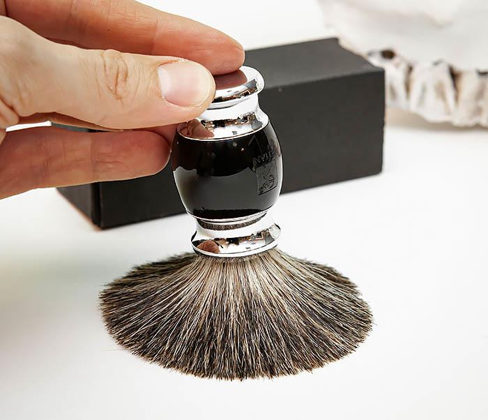 RAZ488-1 Помазок «TITAN» из барсучего волоса, рукоятка смола (черный) фото 07