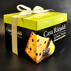 Кулич с кусочками груши и шоколада в подарочной коробке Casa Rinaldi 750 г