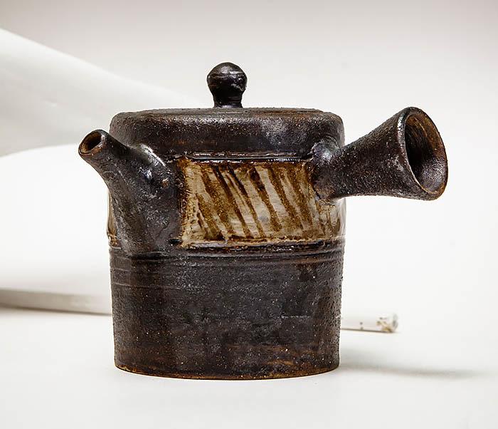 POT103 Керамический чайник ручной работы в японском стиле («Kюсу») фото 02