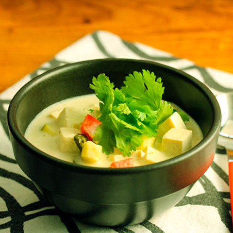 https://static-eu.insales.ru/images/products/1/5177/36770873/thai_green_soup.jpg