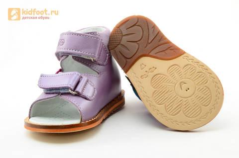 Босоножки на первый шаг Тотто из натуральной кожи на липучках для девочки, цвет сирень. Изображение 9 из 16.