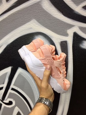 Nike Air Huarache Light Pink