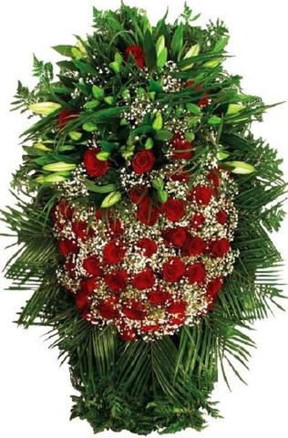 Траурный венок из живых цветов ВЖ 11 -120 см