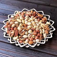 Ассорти орехов с макадамией в корзине 460 гр.