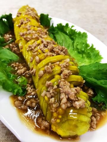 Баклажаны с мясом под соусом
