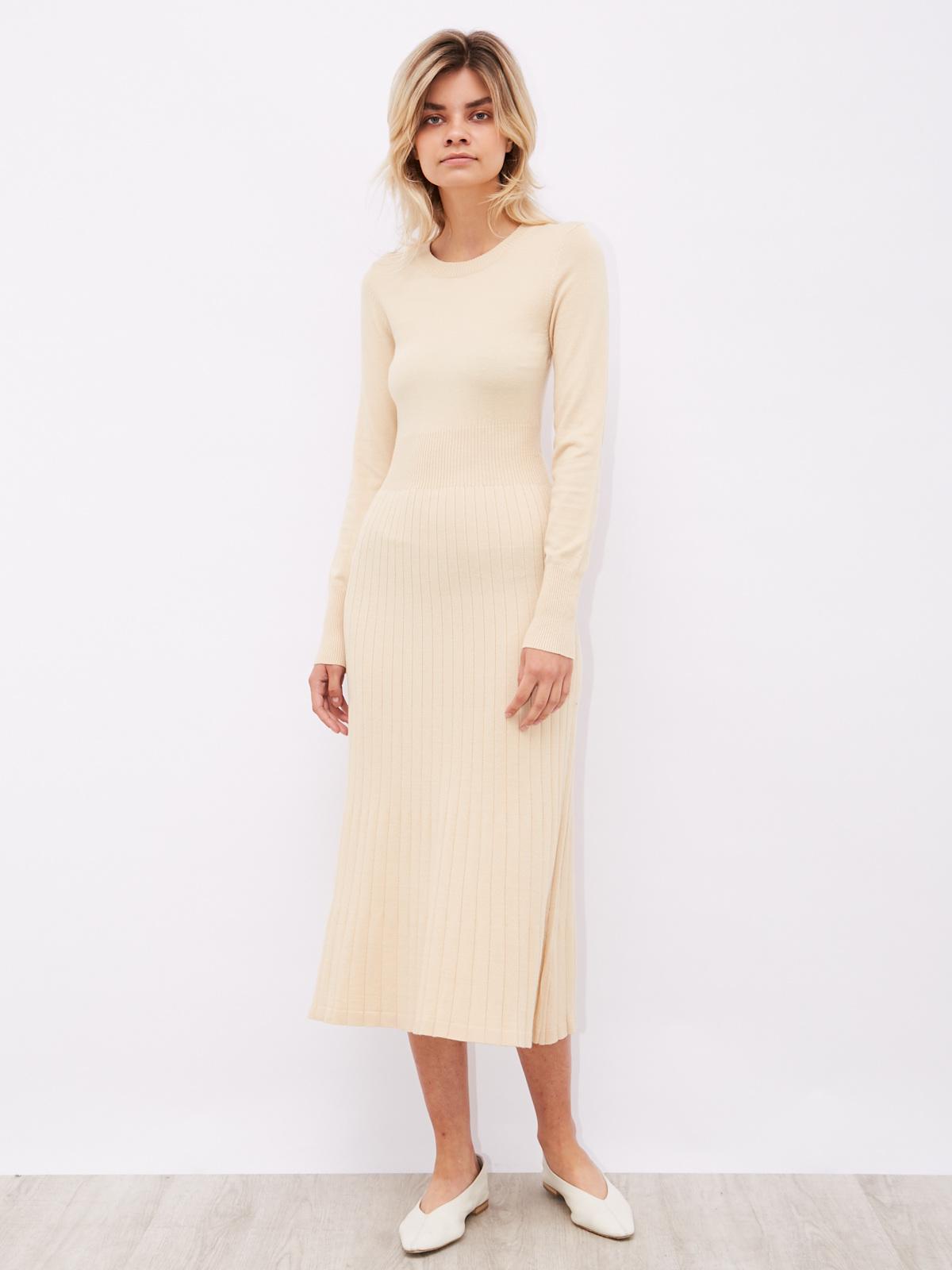 Платье трикотажное с юбкой плиссе