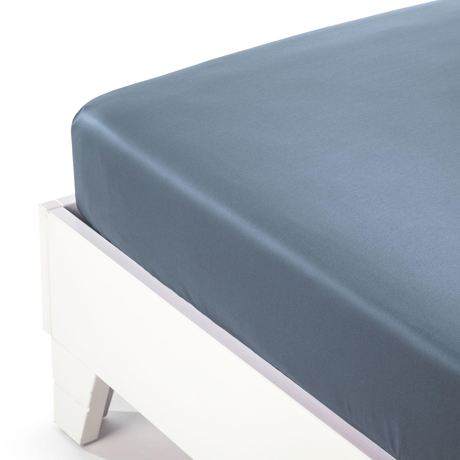 Простыни на резинке Простыня на резинке 220x200 Сaleffi Raso Tinta Unito с бордюром сатин синяя prostynya-na-rezinke-caleffi-raso-tinta-unito-satin-avio-italiya.jpg