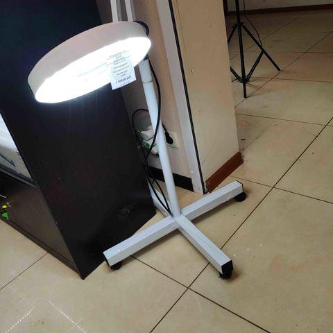Лампа-лупа  светодиодная (xолодный свет) на штативе, 15W