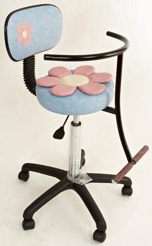 Детское кресло с аппликацией