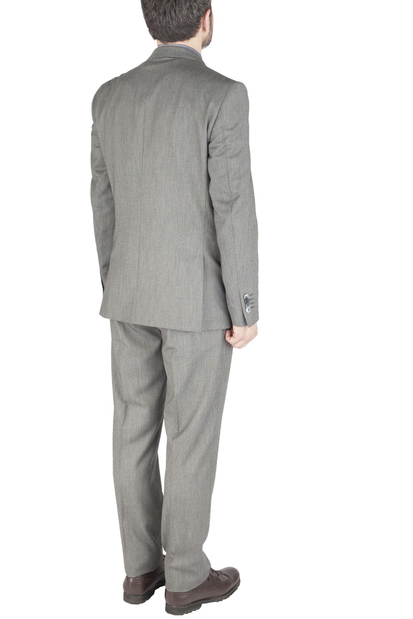 Светло-серый однотонный шерстяной костюм