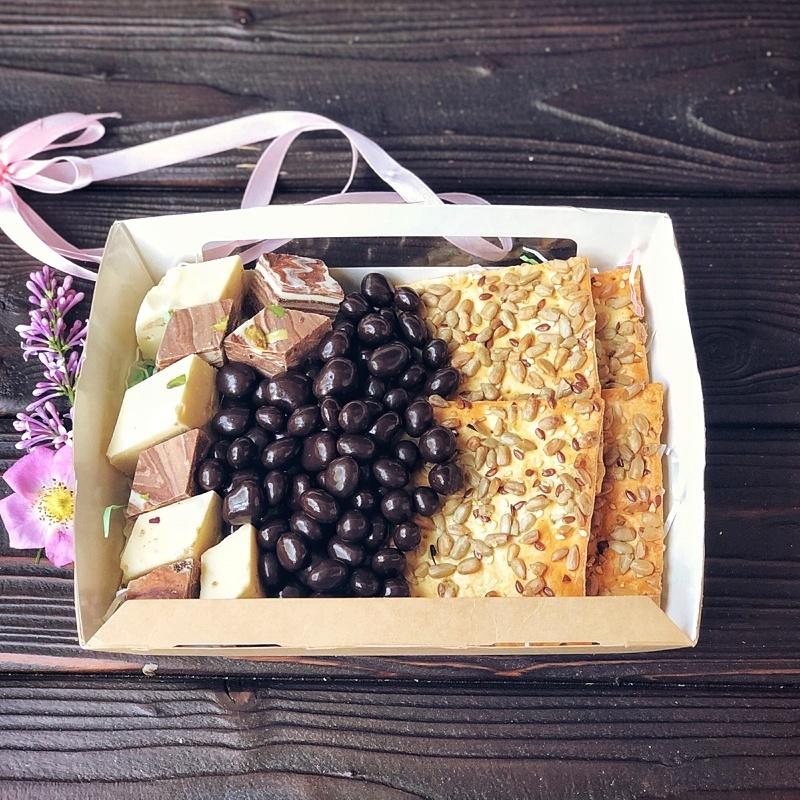 Фотография Подарочный набор с щербетом и драже, 450 г. купить в магазине Афлора